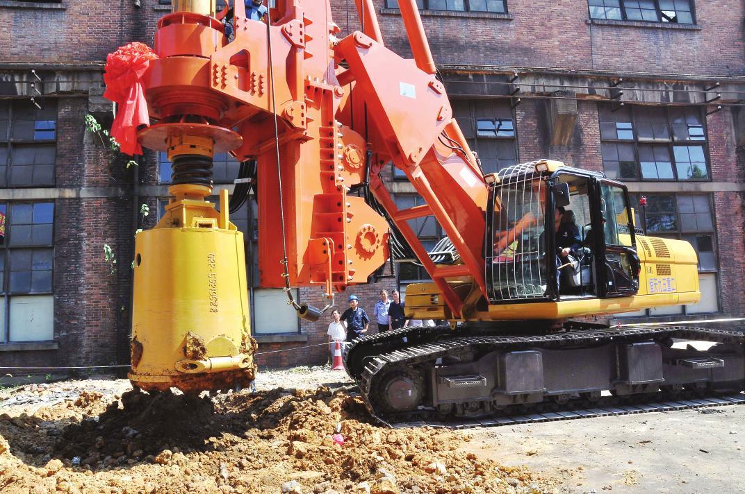 a2fe125-专业维修三一280旋挖钻机主卷扬马达