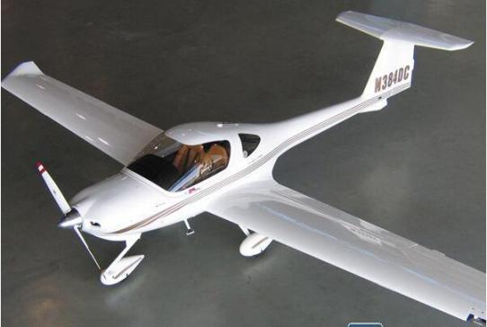 首架钻石dart-450飞机首飞成功 由全碳纤维材料制造而