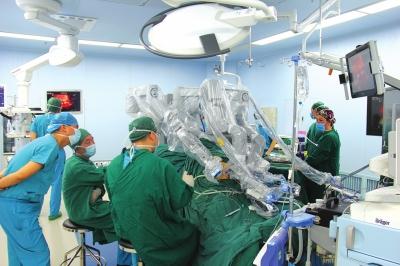 机器人医生做手术