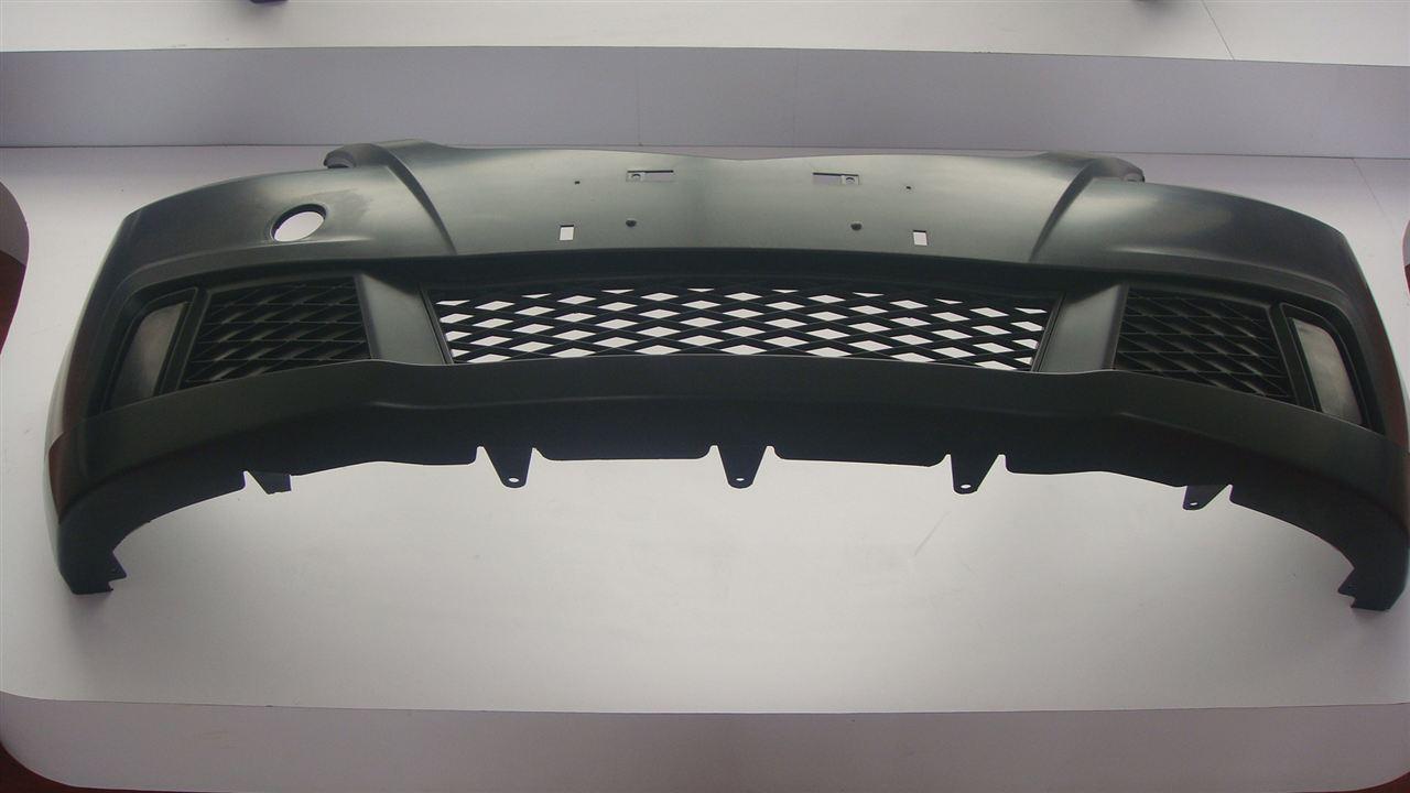集防护保护与一身的汽车保险杠模具